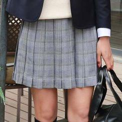 College Affair - Plaid Pleated Mini Skirt