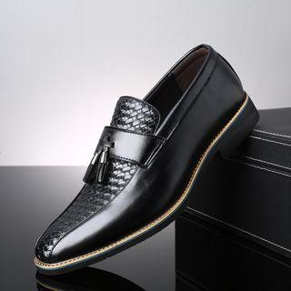 Taragan - 吊苏细节粗跟皮鞋