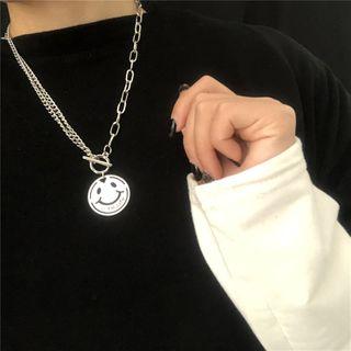 Malnia Home - Smiley Face Pendant Necklace