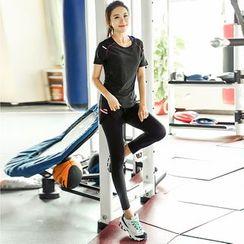 Zosia - 套装:短袖速干T恤 + 运动裤