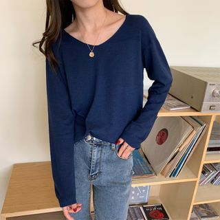 Moon City - V-Neck Long-Sleeve T-Shirt