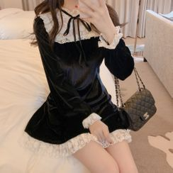 Tangihouse - Lace Velvet Long-Sleeve Slim-Fit Dress