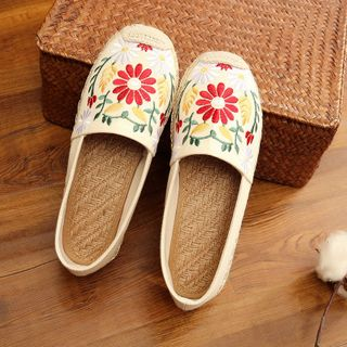 Kyotopia - Flower Embroidered Slip-Ons