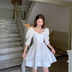 Be Bonita(ビーボニータ) - V-Neck Slim-Fit Puff-Sleeve A-Line Mini Dress
