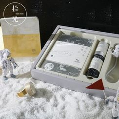 Little Planet - Gift Set: Astronaut Print Large Scheduler + Masking Tape + USB Reading Lamp