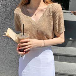 Envy Look - V-Neck Short-Sleeve Summer Knit Top