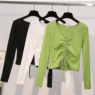 Carmenta - V-Neck Long-Sleeve T-Shirt