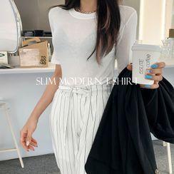 DEEPNY - Basic Slim-Fit Silky T-Shirt