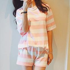 Shimi - Set: Striped T-Shirt + Shorts