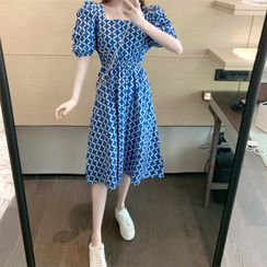 Be Bonita - Patterned Open-Back Puff-Sleeve Midi A-Line Dress