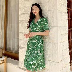 Styleberry(スタイルベリー) - Floral Print Wrap Dress