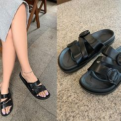 UUZONE(ユーユーゾーン) - Buckled Slide Sandals