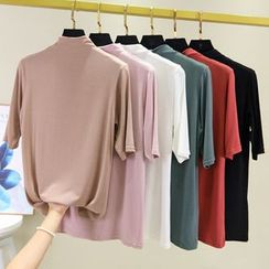 Lacyland - Elbow-Sleeve Mock Neck T-Shirt