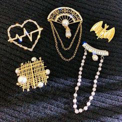Catalunya - 仿珍珠合金胸針 (多款設計)