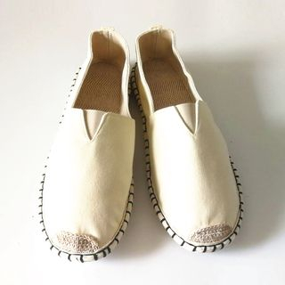 Sparrow Farm - Retro Woven Toe-Cap Canvas Slip-ons