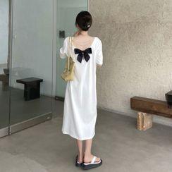 Flowerisque - 短袖飾鏈條蝴蝶結直身連衣中裙