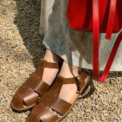 FROMBEGINNING - Oval-Toe Fisherman Sandals