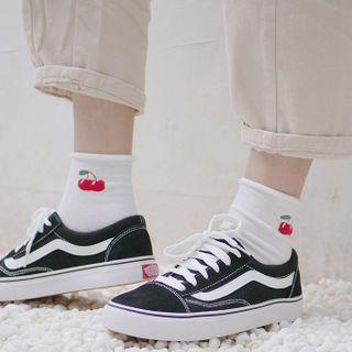 Wolfhara - Fruit Print Socks