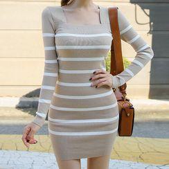 Yilda - 条纹长袖方领针织迷你塑身连衣裙