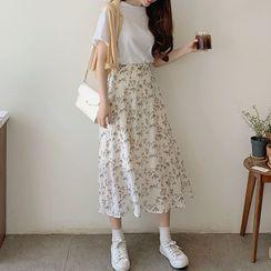 Leoom - Short-Sleeve Plain T-Shirt / Floral Print Midi A-Line Skirt