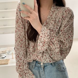 Moon City - Floral Print Bell-Sleeve Floral Chiffon Blouse