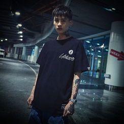 UIXX - 字母刺绣短袖T恤
