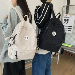 EAVALURE(イーヴァルア) - Smiley Face Applique Backpack