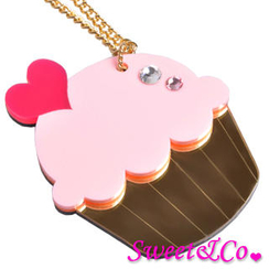 Sweet & Co. - Sweet&Co. XL Mirror Pink Cupcake Gold Necklace