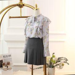 Doowex - Floral Print Ruffled Blouse / Pleated Mini A-Line Skort