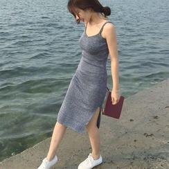 CosmoCorner - Sleeveless Knit Dress
