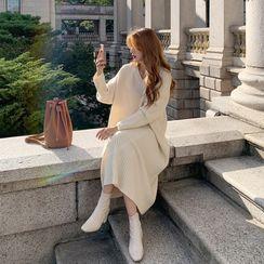 Envy Look - V-Neck Drop-Shoulder Rib-Knit Maxi Dress