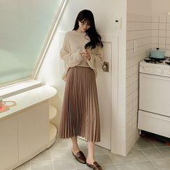 Seoul Fashion - PLUS SIZE Band-Waist Pleated Skirt