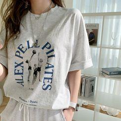 NANING9(ナンニング) - Short-Sleeve Letter T-Shirt