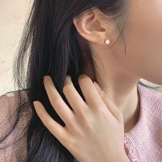 CHERRYKOKO(チェリーココ) - Faux-Gem Clover Ear Studs