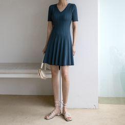 NAIN(ナイン) - V-Neck Cable-Knit Flare Dress
