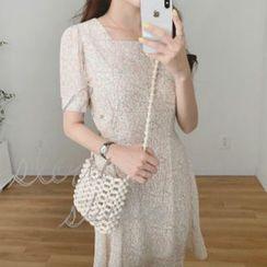 Leoom - Short-Sleeve Chiffon A-Line Dress