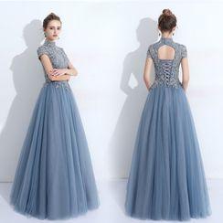 Remme - Short-Sleeve Floral Applique Lace Up Gown