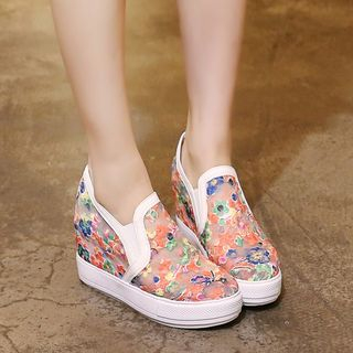 Pretty in Boots - Hidden Wedge Flower Embroidered Slip-Ons