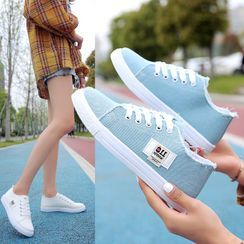 Yuche - Canvas Letter Tag Sneakers
