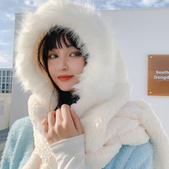 Wotez - Fluffy Hooded Scarf