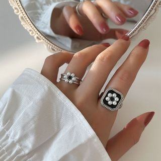 Fireflicka - Faux Pearl Floral Ring