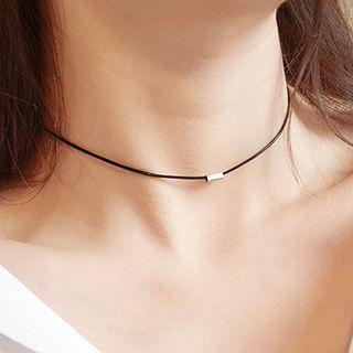 True Glam - 金属装饰贴脖项链