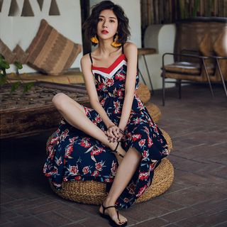 Yuxi - Floral Strappy Maxi Sundress