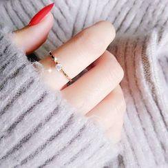 Utsukushi - 水钻戒指