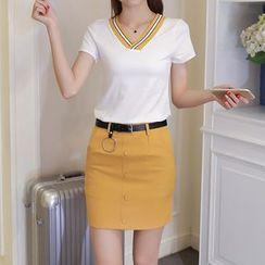 Ashlee - 套装: 条纹短袖V领T恤 + 纯色铅笔裙