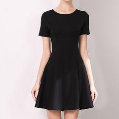 Spirin - Short-Sleeve Plain Mini A-Line Dress