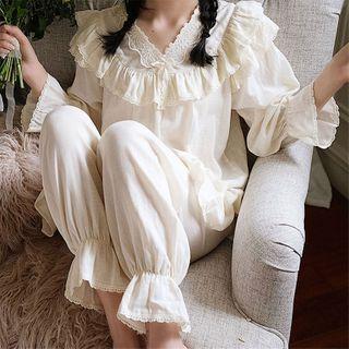 Meredith - 家居服套装: 镂空边喇叭袖上衣 + 家居裤