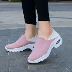 MINIKA - 厚底轻便鞋