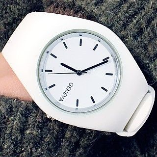 Maesi - Plain Silicone Strap Watch