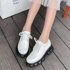 Shoes Galore - Platform Lace-Up Shoes
